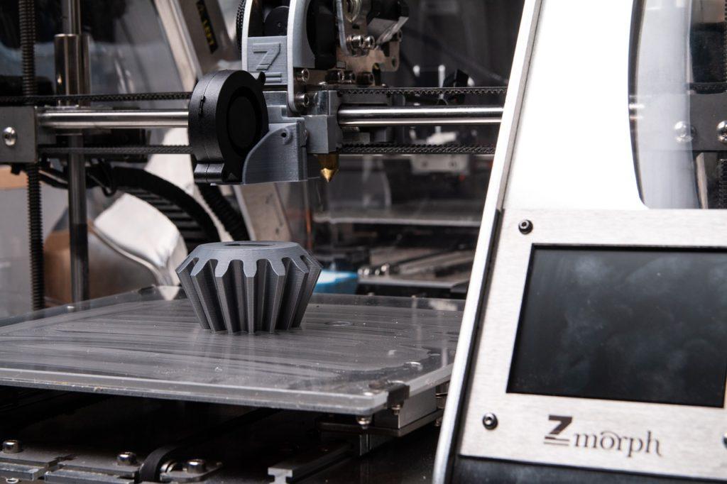 Průmyslová odvětví využívají stále častěji zakázkový 3D tisk